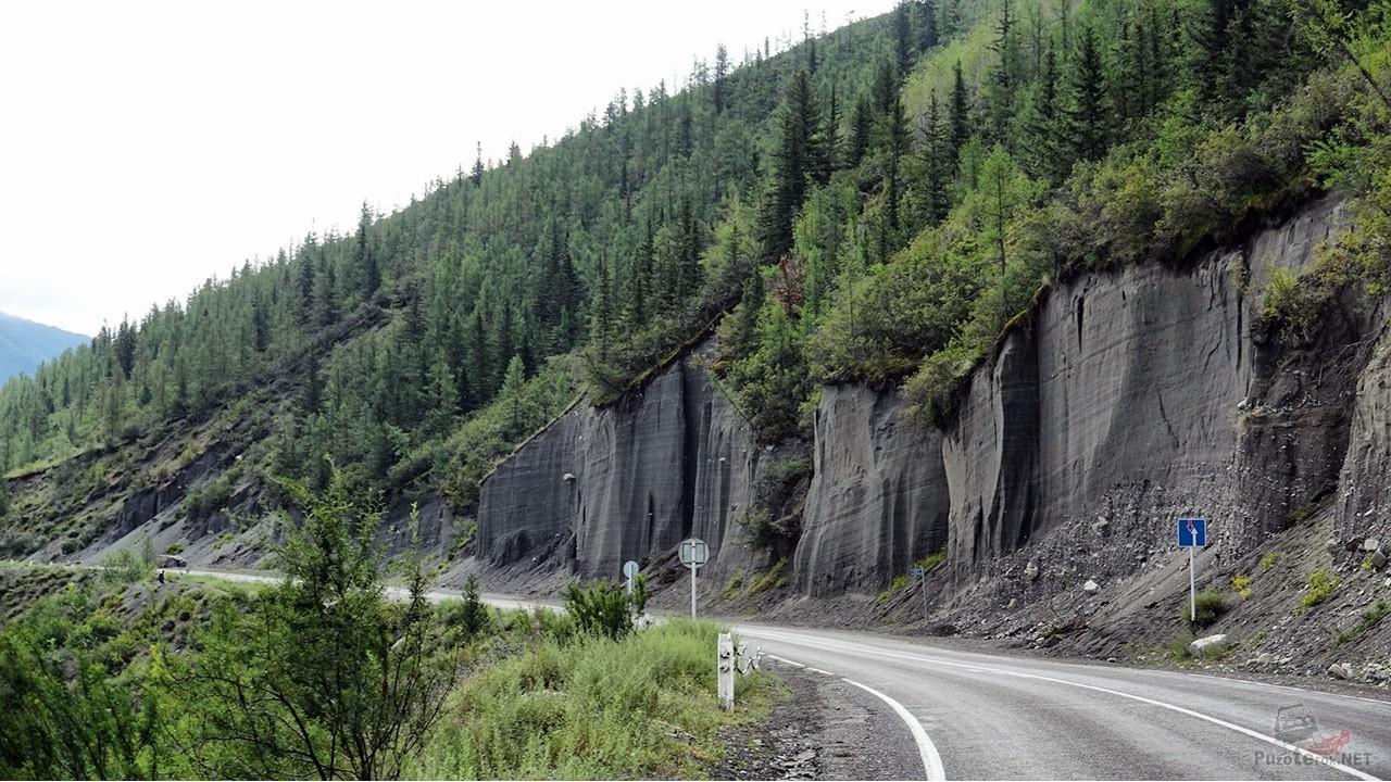 Чуйский тракт в горах Алтая