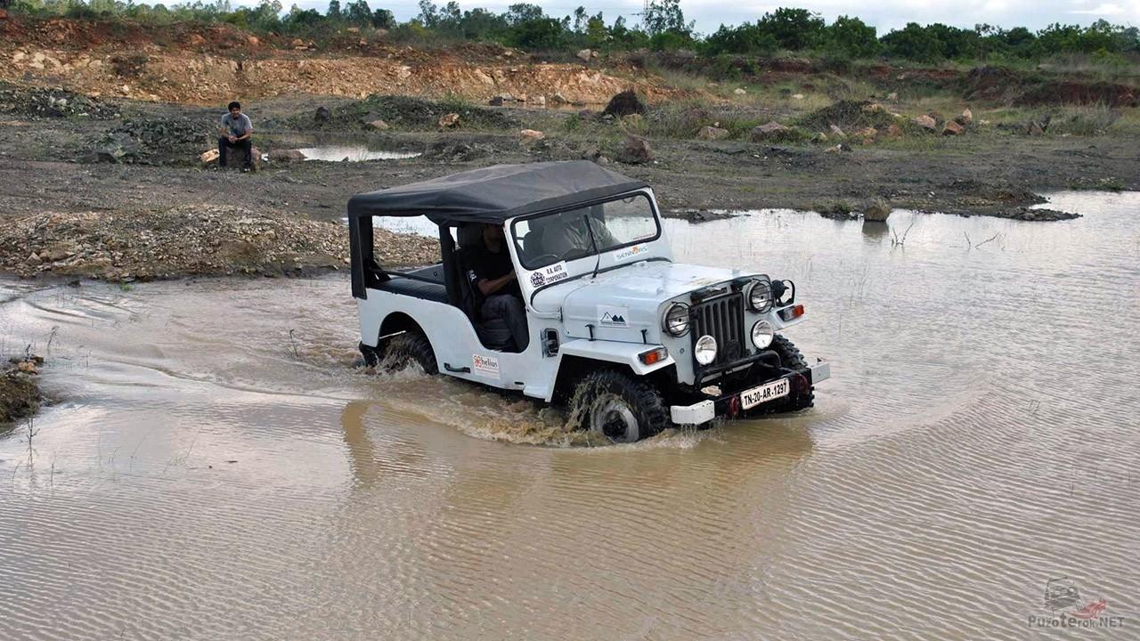 Джиппинг в пригороде Ченнаи в Индии