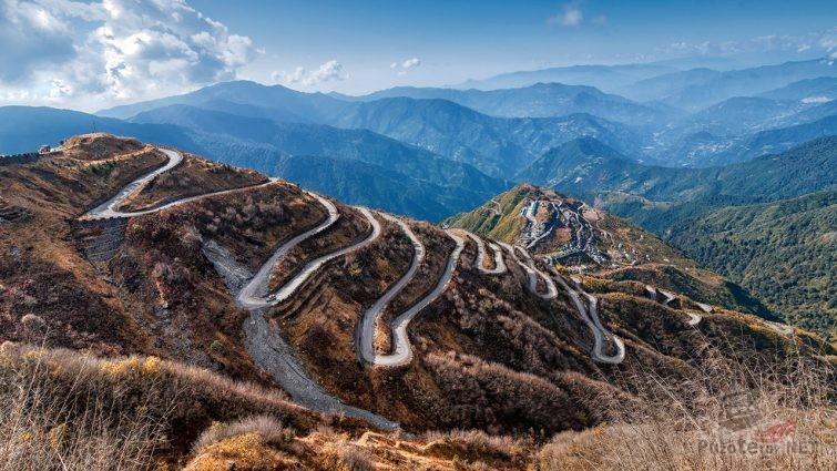Горный перевал Зоджи Ла в Гималаях