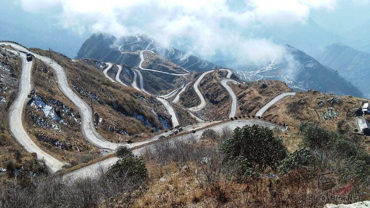Индийский высокогорный перевал Зоджи Ла