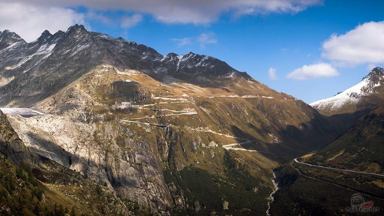 Перевал Фурка в осенних Альпах