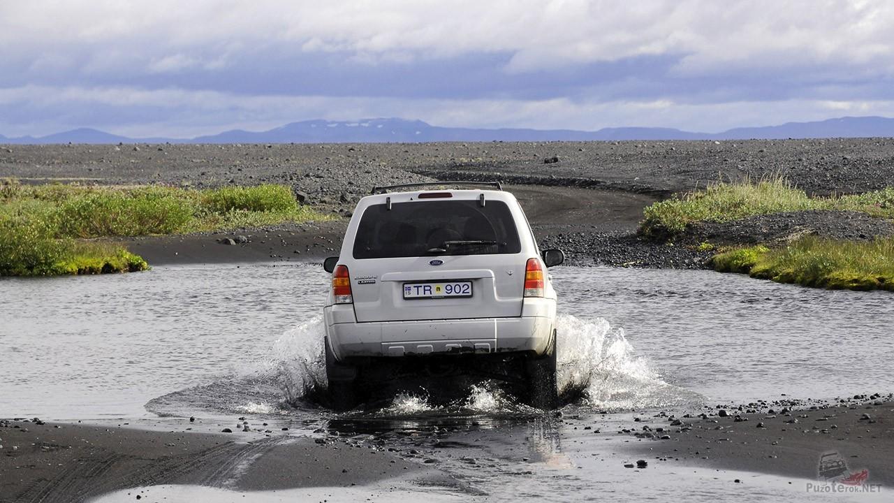 Речная переправа на внедорожнике Форд