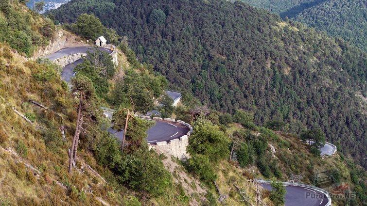 Живописный вид с перевала Коль Де турини
