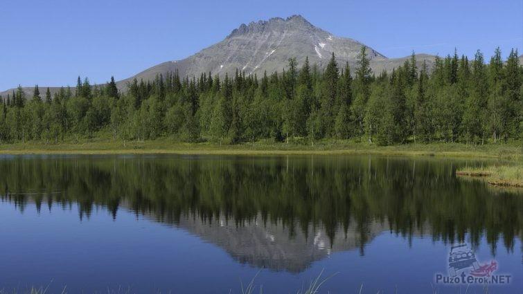 Озеро и гора Манарага