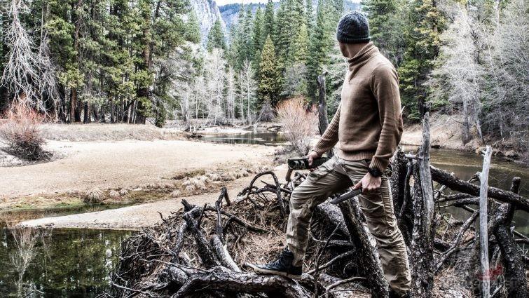 Поход в лес с ножом для выживания