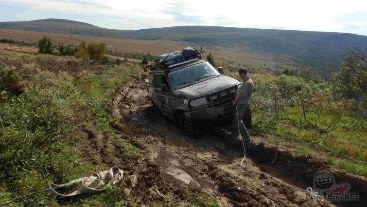 УАЗ Патриот по дороге на перевал Дятлова