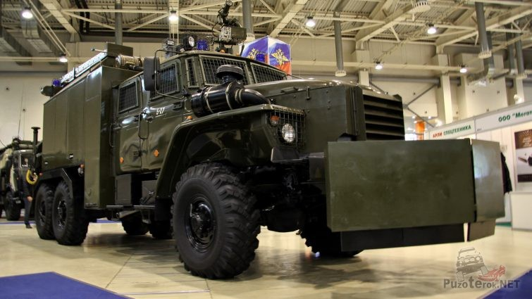 Урал-4320 Торнадо для защиты от зомби и рассерженных граждан