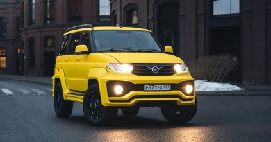 Городской жёлтый УАЗ Патриот с коробкой автомат