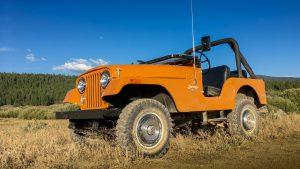 Jeep CJ-5 с открытым верхом на природе