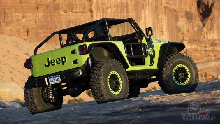 Jeep Trailcat вид сзади