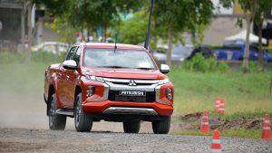 Mitsubishi Triton на гравийке