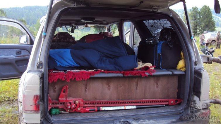 Перевозка реечного домкрата в салоне автомобиля