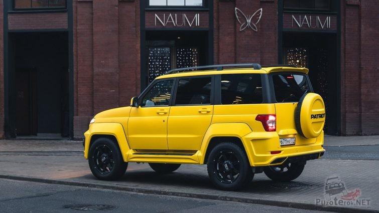 Стильный дизайн жёлтого УАЗ Патриот
