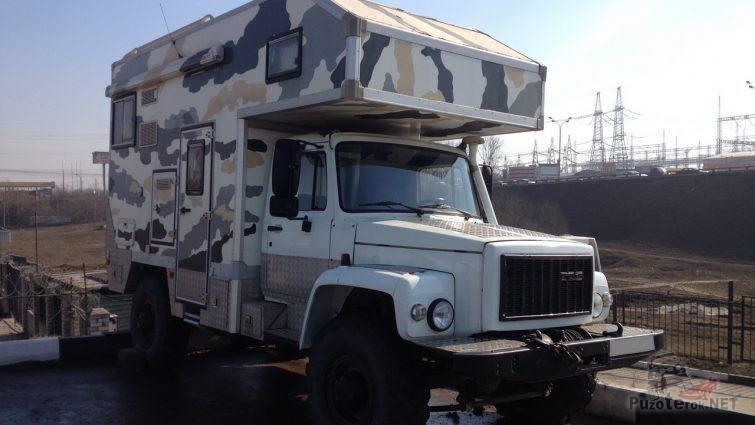 Автодом ГАЗ Садко с жилым кунгом для путешествий