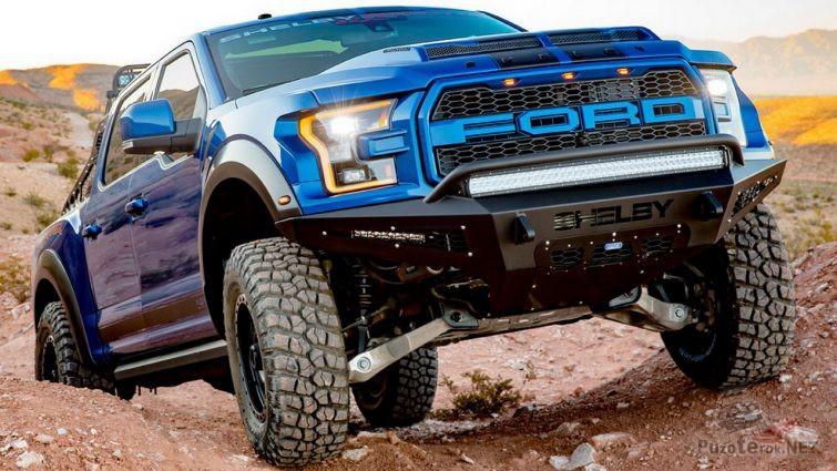 Форд Раптор с усиленной подвеской на каменистой местности