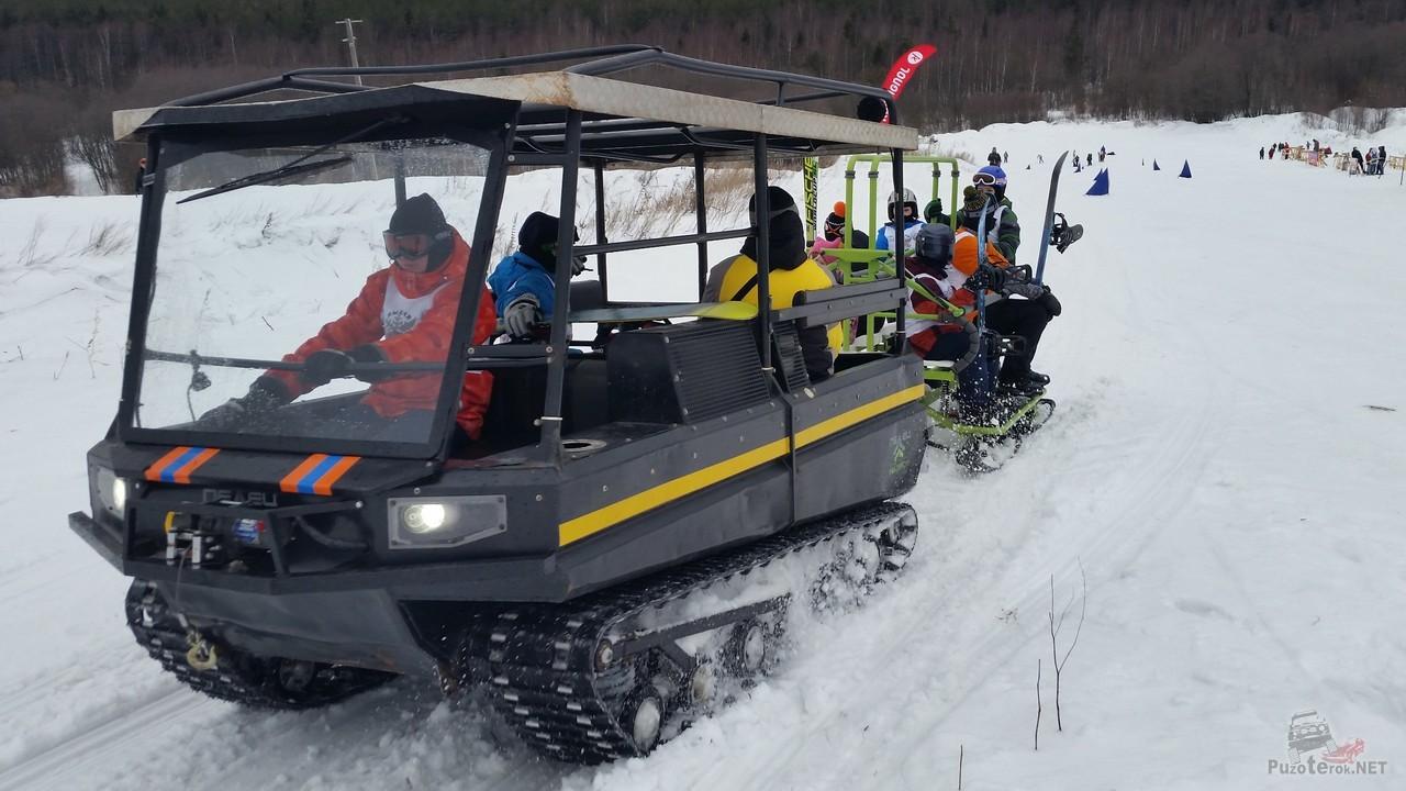 Использование вездехода на лыжной трассе