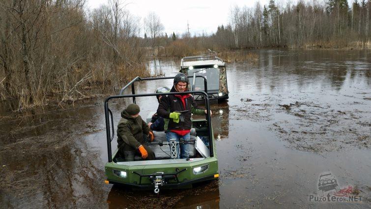 Передвижение на вездеходах по болоту