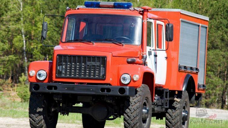 Пожарная спецтехника Садко в лесу