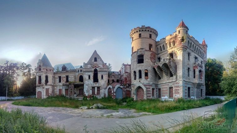 Развалины замка Храповицкого