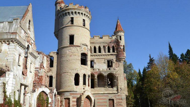 Развалины замка в Муромцево