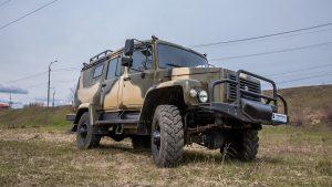 Российский автомобиль широкого назначения на природе