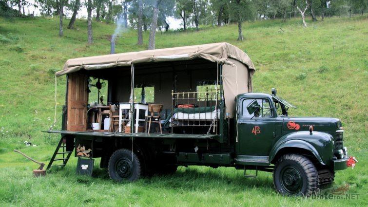 Самодельный кепмер на грузовике