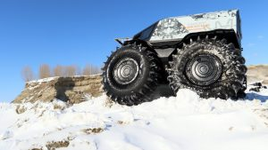 Снегоболотоход Шерп на снегу снизу