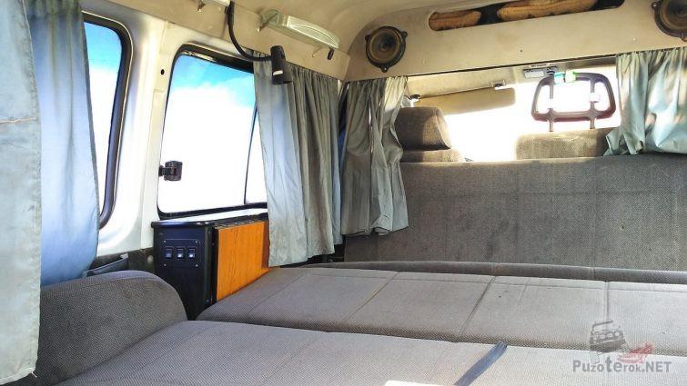 Спальное место в автомобиле Соболь