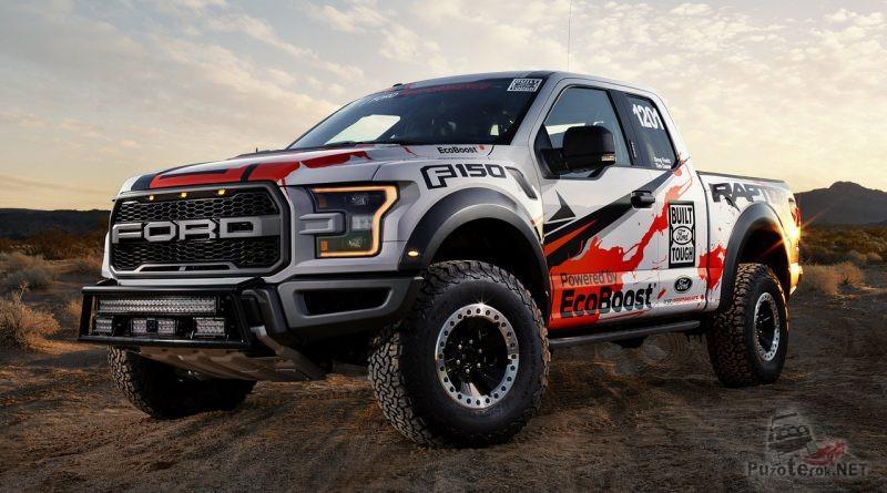 Спортивный Ford Раптор на природе
