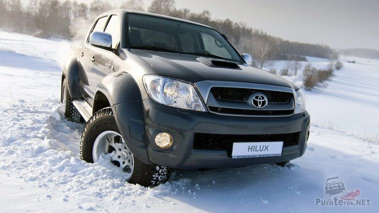 Тест-драйв Хайлюкса Арктик Тракс в снегу
