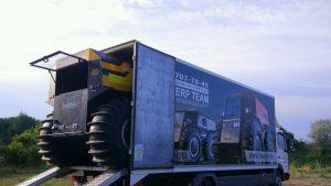Транспортировка вездехода на грузовом фургоне