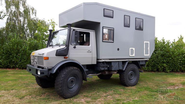 Унимог кемпер с жилым модулем для путешествий