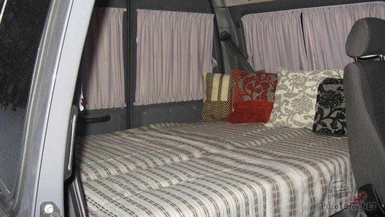 Уютный салон Соболя со спальным местом