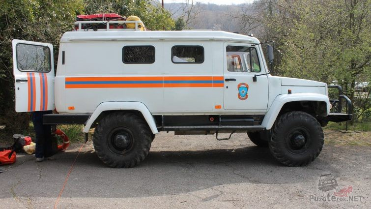 Виб сбоку служебного грузовика Вепрь МЧС