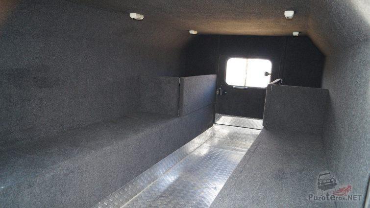 Вид салона изнутри пассажирской зоны