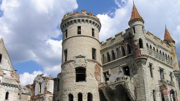 Замок Храповицкого в Муромцево