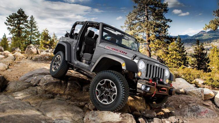 Jeep Wrangler Rubicon без дверей на камнях