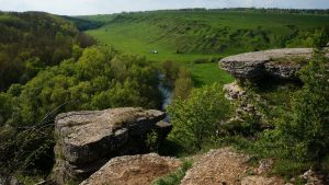 Камни на вершине воргольских скал