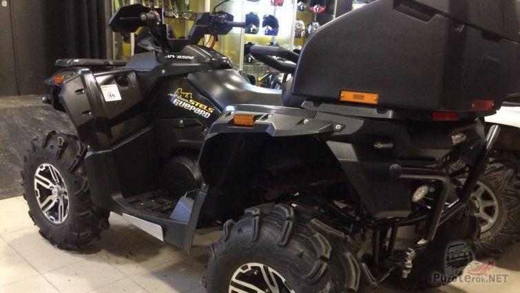 Квадроцикл Stels Guepard 650 чёрного цвета
