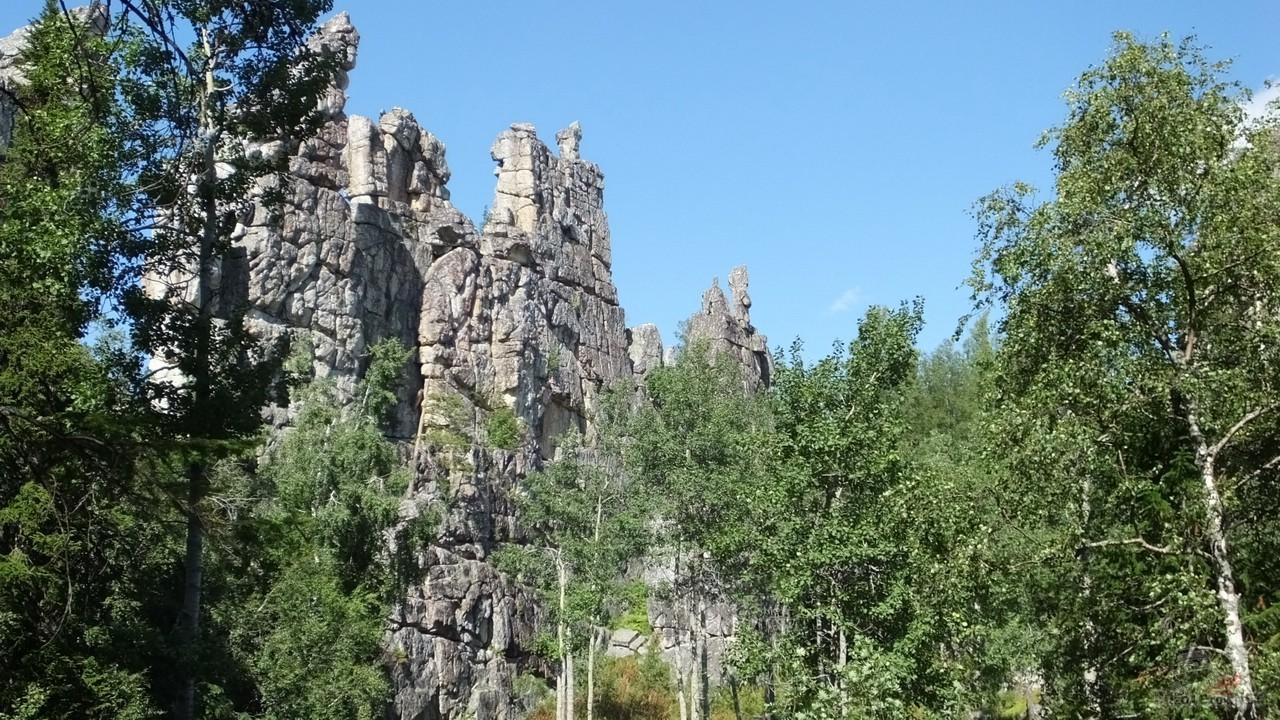 Отвесные скалы Инзерских Зубчаток