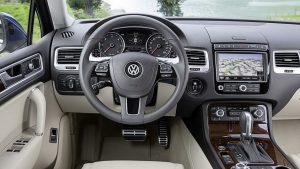 Салон Volkswagen Touareg 2014 года выпуска