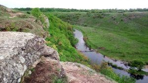 Скалистый берег реки Воргол