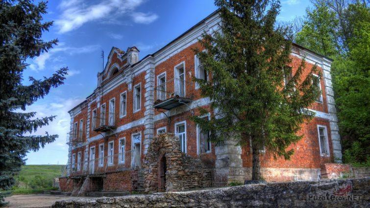 Сохранившееся здание усадьбы