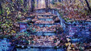 Старинная каменная лестница