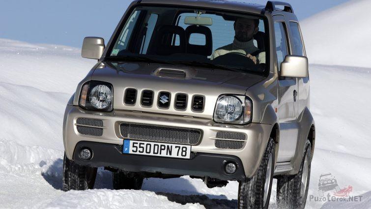 Suzuki Jimny третьего поколения на снегу