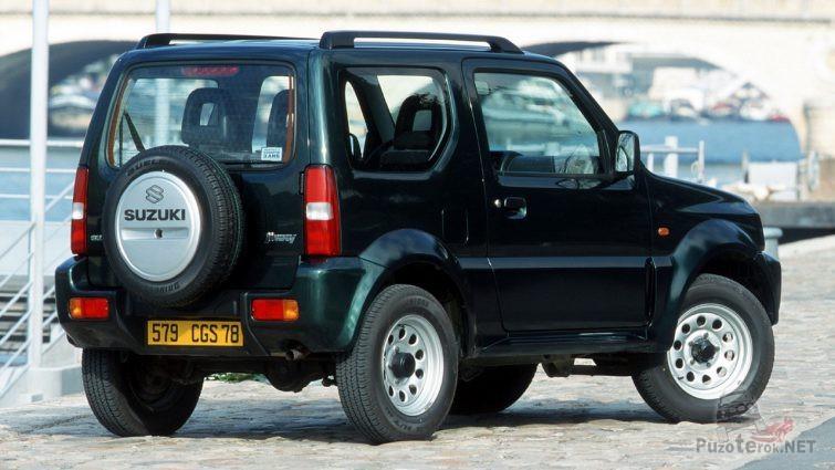 Вид сзади Suzuki Jimny 1998 года