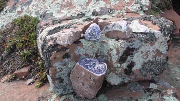 Аметистовые камни