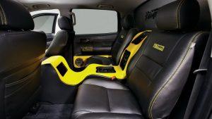 Чёрно-жёлтый салон Toyota Tundra с тюнингом