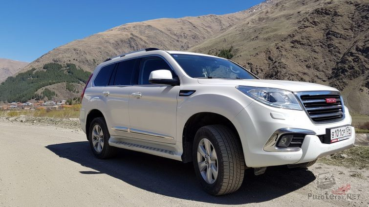 Great Wall Haval на фоне холмов
