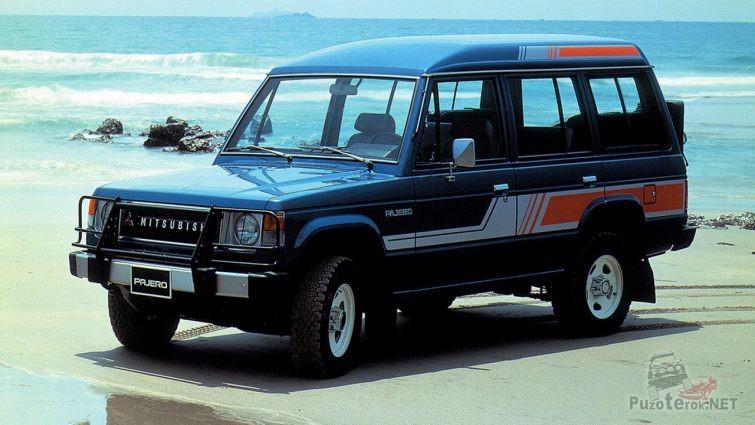 Mitsubishi Pajero первого поколения на побережье